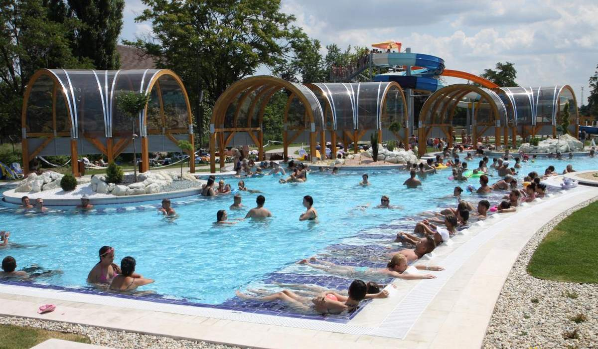 Аквапарк Selyemrét Bath