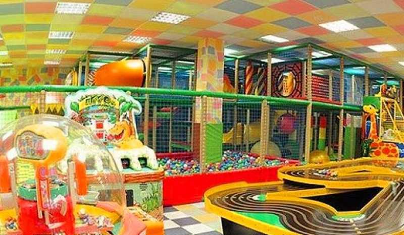 Развлекательный детский клуб, где есть тир, игровые автоматы зарубежные казино с вебмани