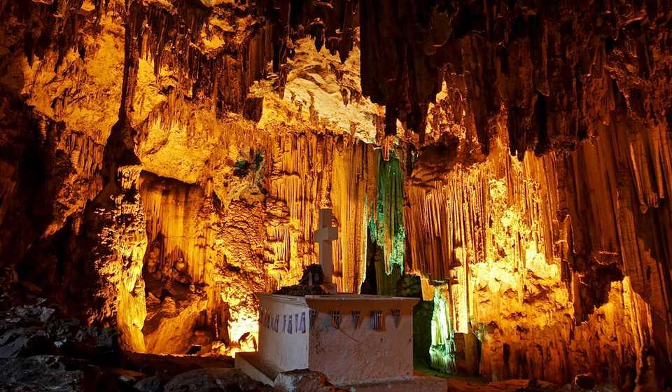 Пещеры Сфендони и Мелидони