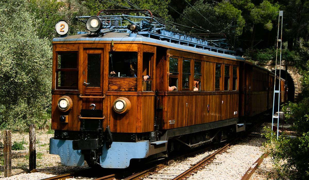 Старинный Поезд из Пальмы в Сойер
