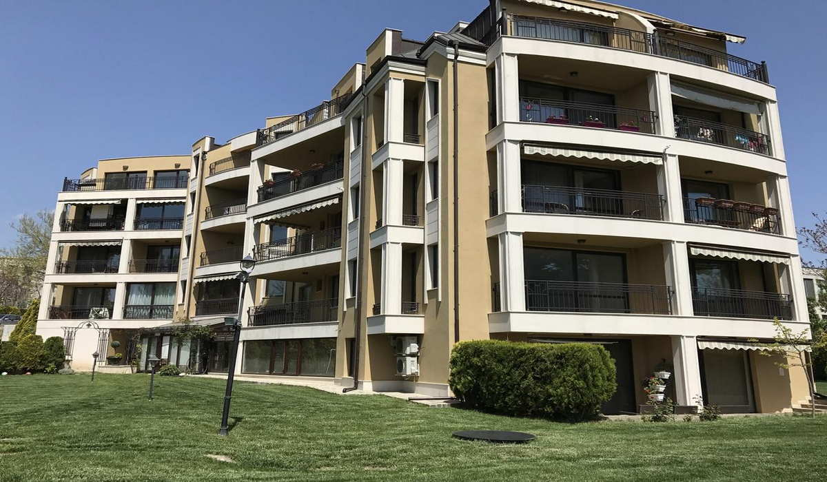 Central Garden Apartment Varna