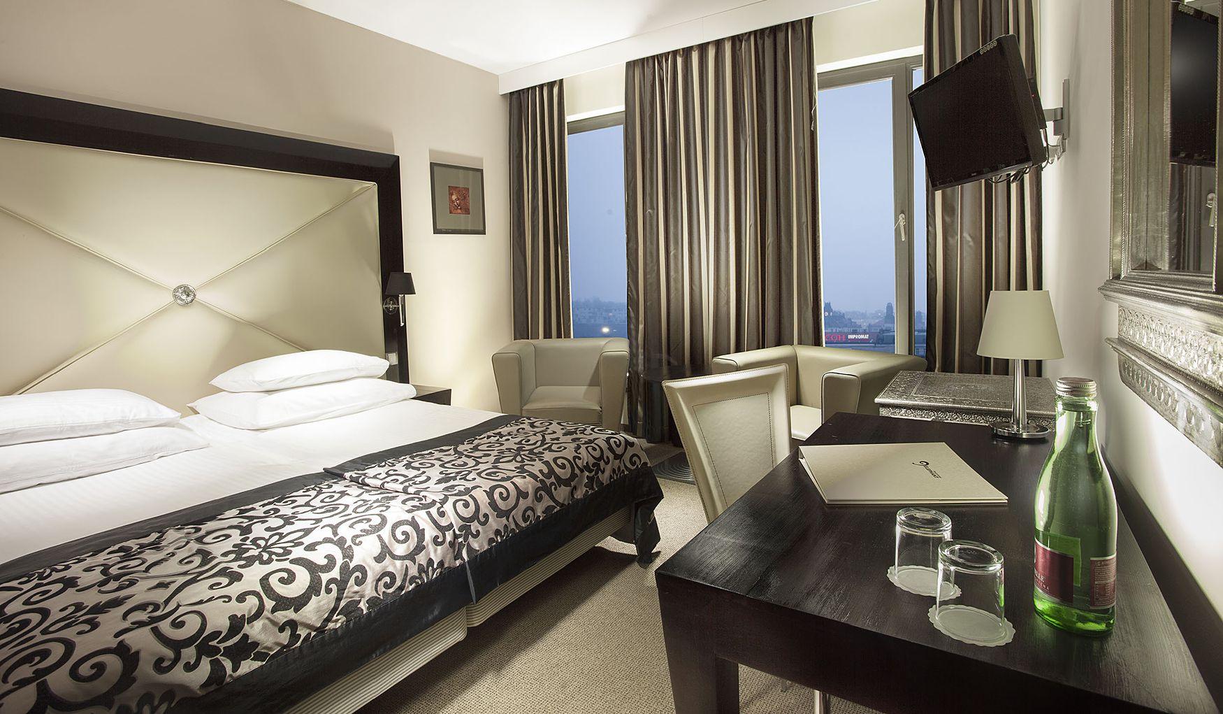 Designhotel elephant prague 4 for Design hotel elephant praga