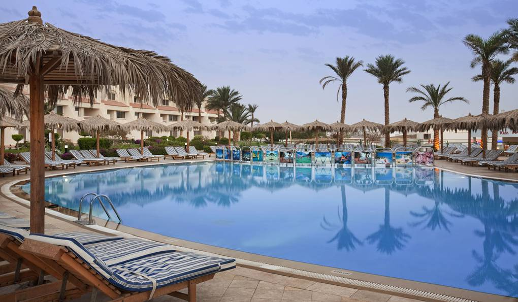 Hilton Hurghada Long Beach Resort фото 1