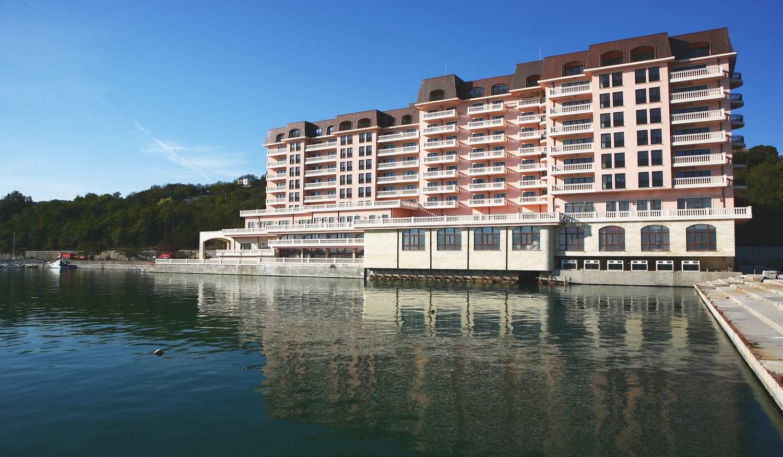 Port Palace Apartments