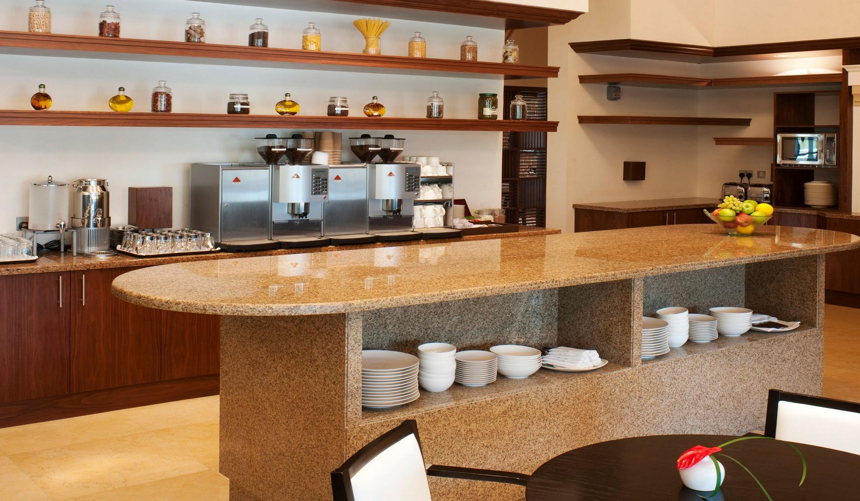 Staybridge Suites Yas Island Abu Dhabi фото 6
