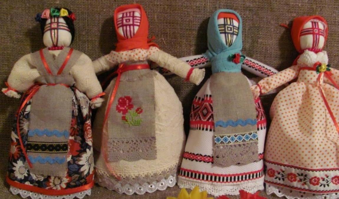 Кукла-мотанка как пример подарка из Киева