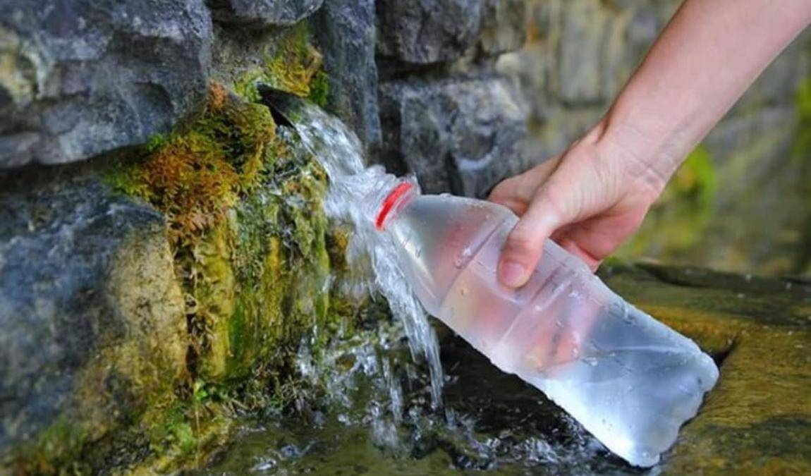 Гастрономические подарки из Пскова: вода из Словенских источников