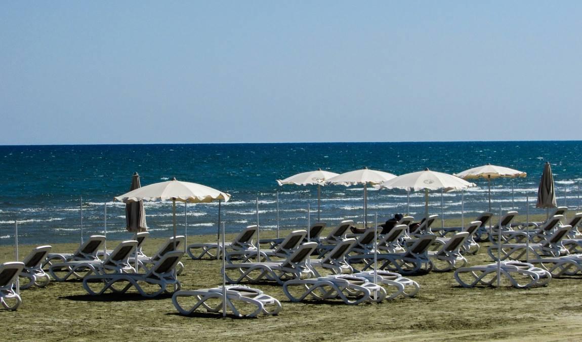 Пляжный отдых в Ларнаке в мае: городской пляж