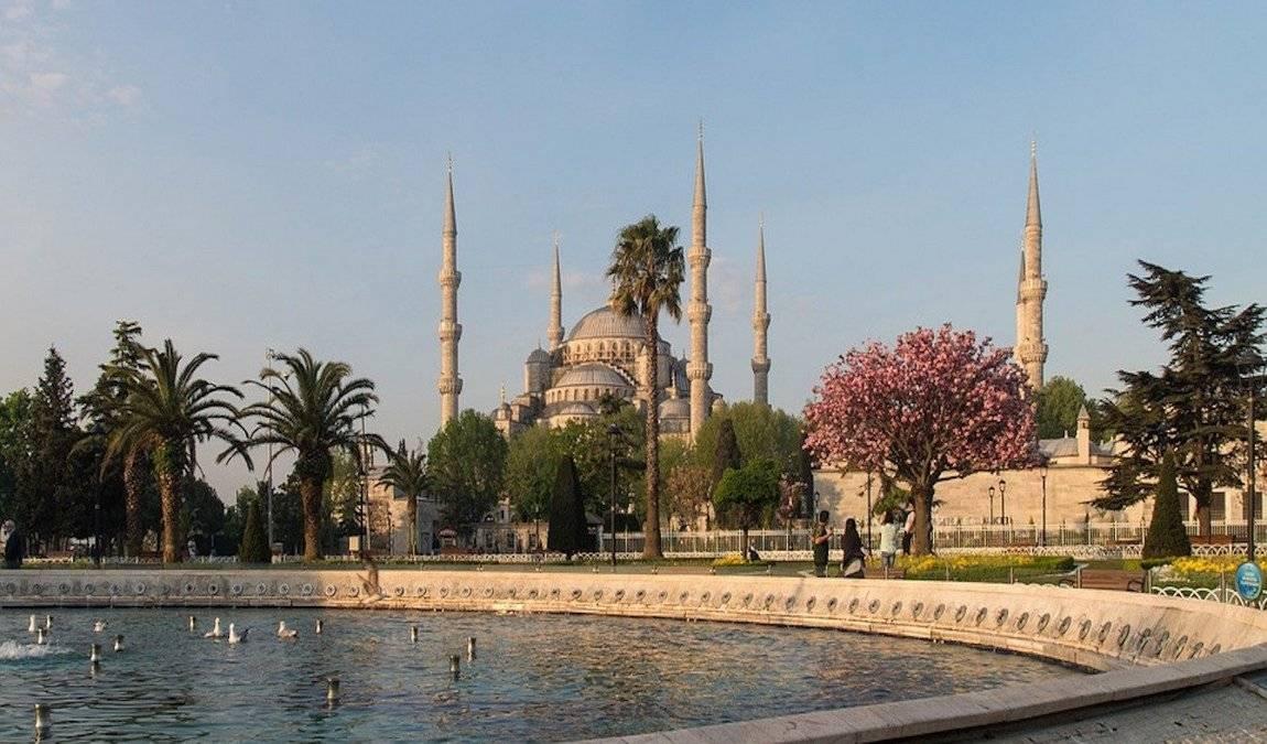 Стамбул в апреле: пробуждение турецкого мегаполиса